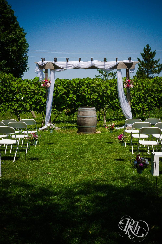 Katie & Alan - Minnesota Wedding Photography - Next Chapter Winery - RKH Images - Blog  (4 of 48).jpg