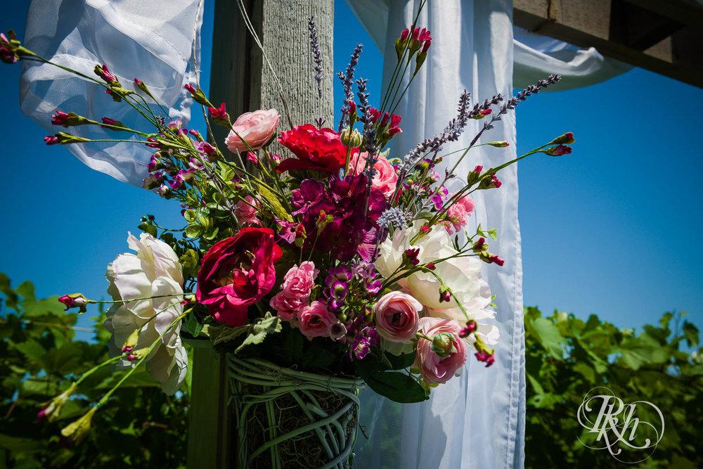 Katie & Alan - Minnesota Wedding Photography - Next Chapter Winery - RKH Images - Blog  (7 of 48).jpg