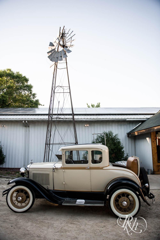 Katie & Alan - Minnesota Wedding Photography - Next Chapter Winery - RKH Images - Blog  (12 of 48).jpg