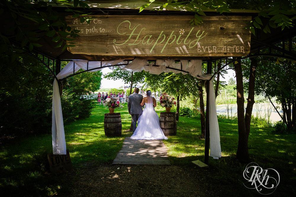 Katie & Alan - Minnesota Wedding Photography - Next Chapter Winery - RKH Images - Blog  (22 of 48).jpg