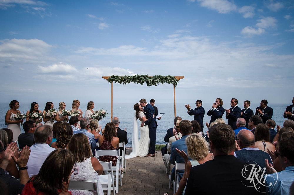 Kayla & John - Minnesota Wedding Photography - North Shore Wedding Photography - Bluefin Bay - RKH Images   (22 of 55).jpg