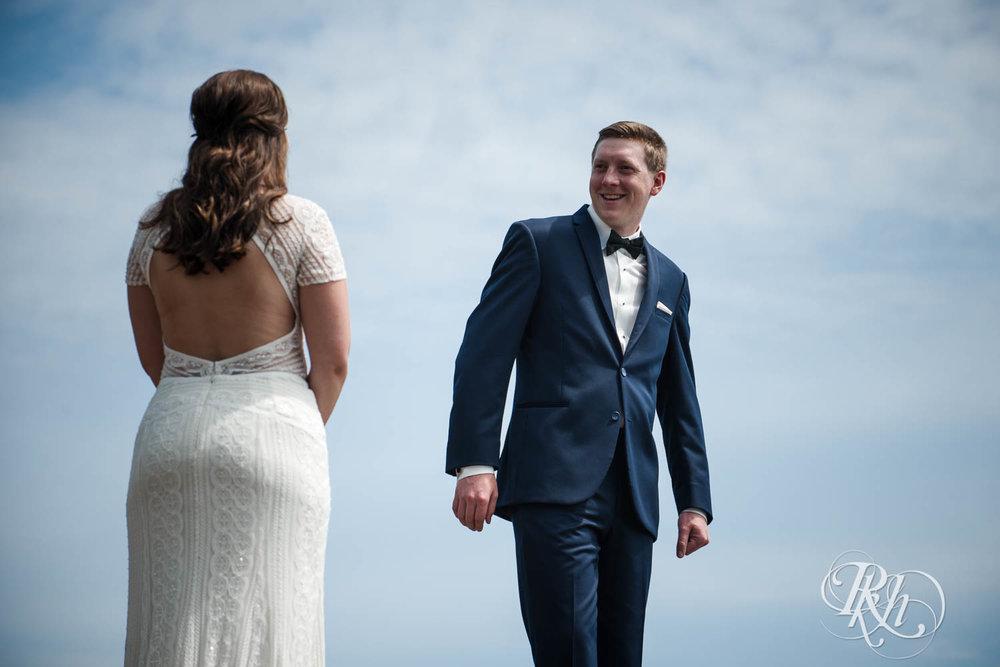 Kayla & John - Minnesota Wedding Photography - North Shore Wedding Photography - Bluefin Bay - RKH Images   (32 of 55).jpg