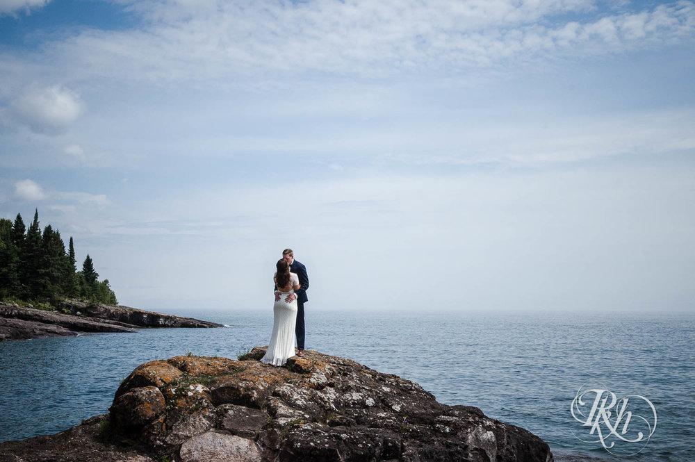 Kayla & John - Minnesota Wedding Photography - North Shore Wedding Photography - Bluefin Bay - RKH Images   (34 of 55).jpg