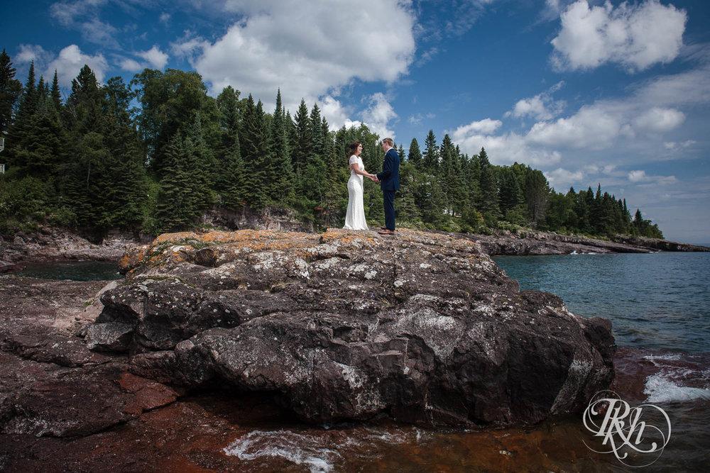 Kayla & John - Minnesota Wedding Photography - North Shore Wedding Photography - Bluefin Bay - RKH Images   (33 of 55).jpg