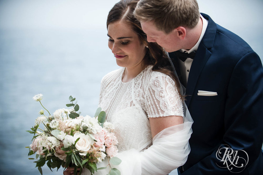 Kayla & John - Minnesota Wedding Photography - North Shore Wedding Photography - Bluefin Bay - RKH Images   (41 of 55).jpg