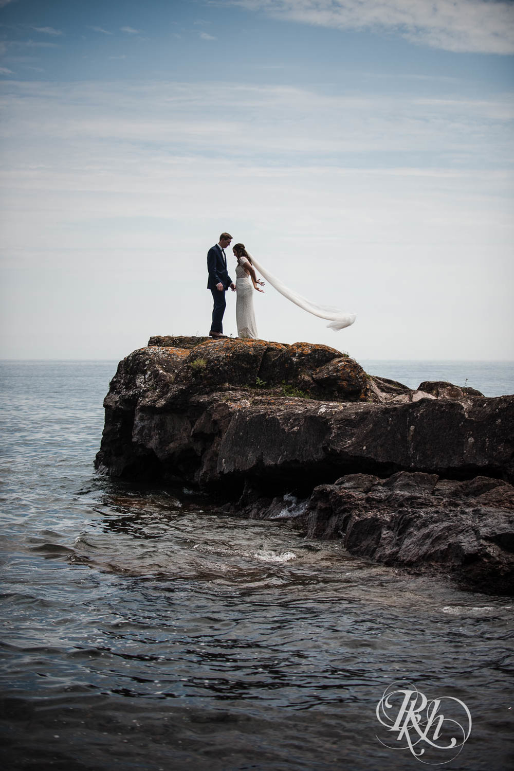 Kayla & John - Minnesota Wedding Photography - North Shore Wedding Photography - Bluefin Bay - RKH Images   (46 of 55).jpg