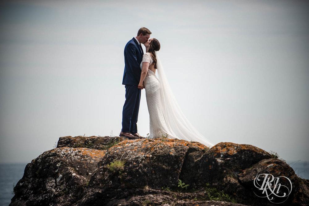 Kayla & John - Minnesota Wedding Photography - North Shore Wedding Photography - Bluefin Bay - RKH Images   (48 of 55).jpg
