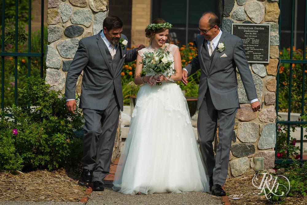 Tiffany & Troy - Minnesota Wedding Photography - Plymouth Creek Center - RKH Images - Blog  (59 of 76).jpg