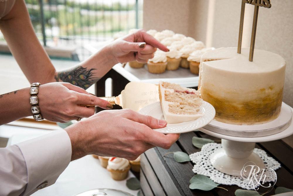 Tiffany & Troy - Minnesota Wedding Photography - Plymouth Creek Center - RKH Images - Blog  (65 of 76).jpg