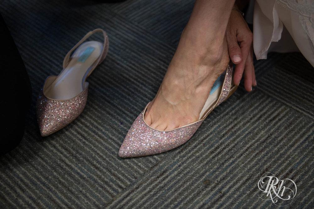 Trish & Nick - Minnesota Wedding Photography - Oak Ridge Conference Center - RKH Images - Blog (17 of 62).jpg