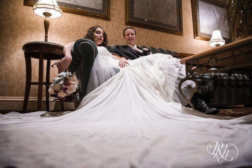 Rebecca & Cameron - Minnesota Wedding Photography - St. Paul Hotel - RKH Images - Blog (26 of 62).jpg