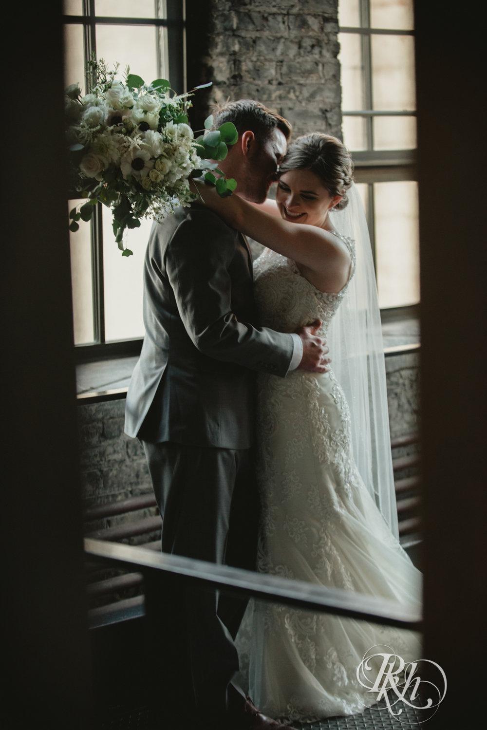 Lauren & Matt - Minnesota Wedding Photography - Mill City Museum - RKH Images - Blog (44 of 55).jpg