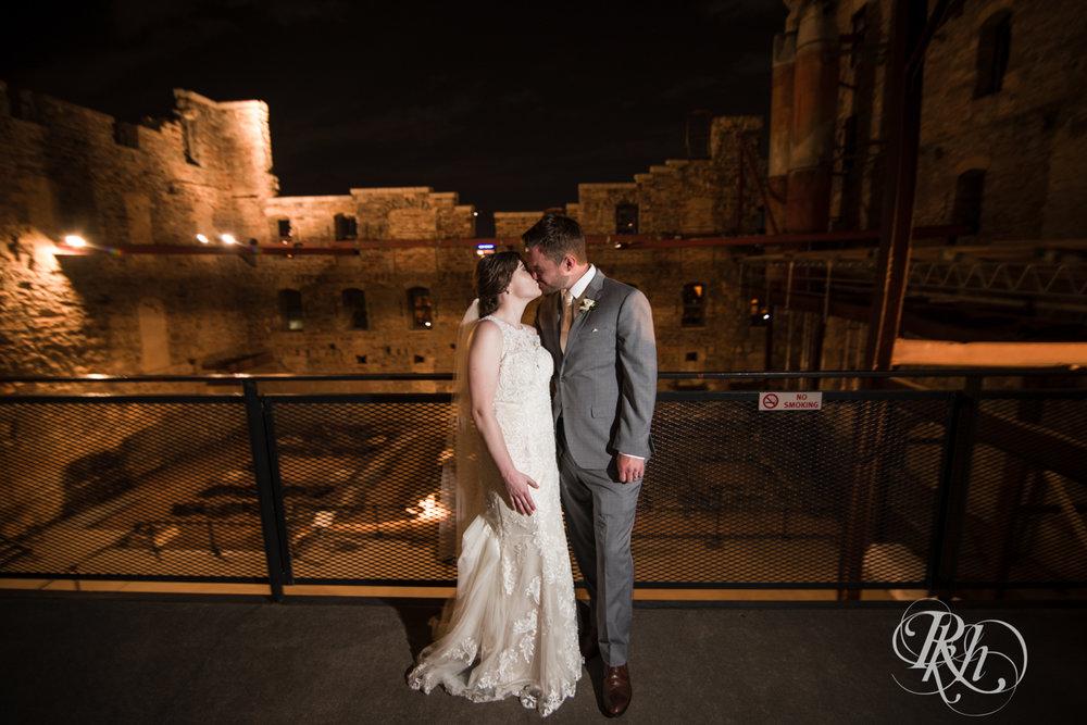 Lauren & Matt - Minnesota Wedding Photography - Mill City Museum - RKH Images - Blog (50 of 55).jpg