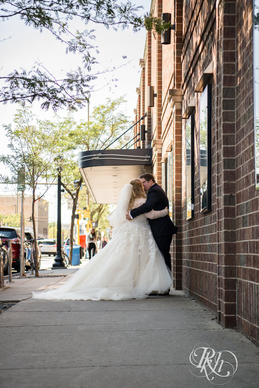 Cameron & Jesse - Minnesota Wedding Photography - Mansion at Uptown - RKH Images - Blog (18 of 65).jpg
