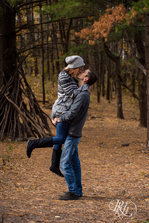 Alisha & Dylan - Minnesota Engagement Photography - Whitetail Woods Regional Park - RKH Images - Blog (5 of 14).jpg