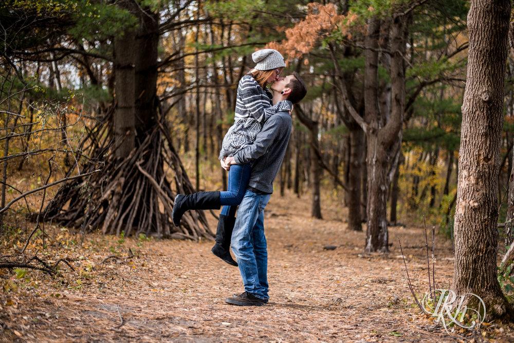 Alisha & Dylan - Minnesota Engagement Photography - Whitetail Woods Regional Park - RKH Images - Blog (7 of 14).jpg