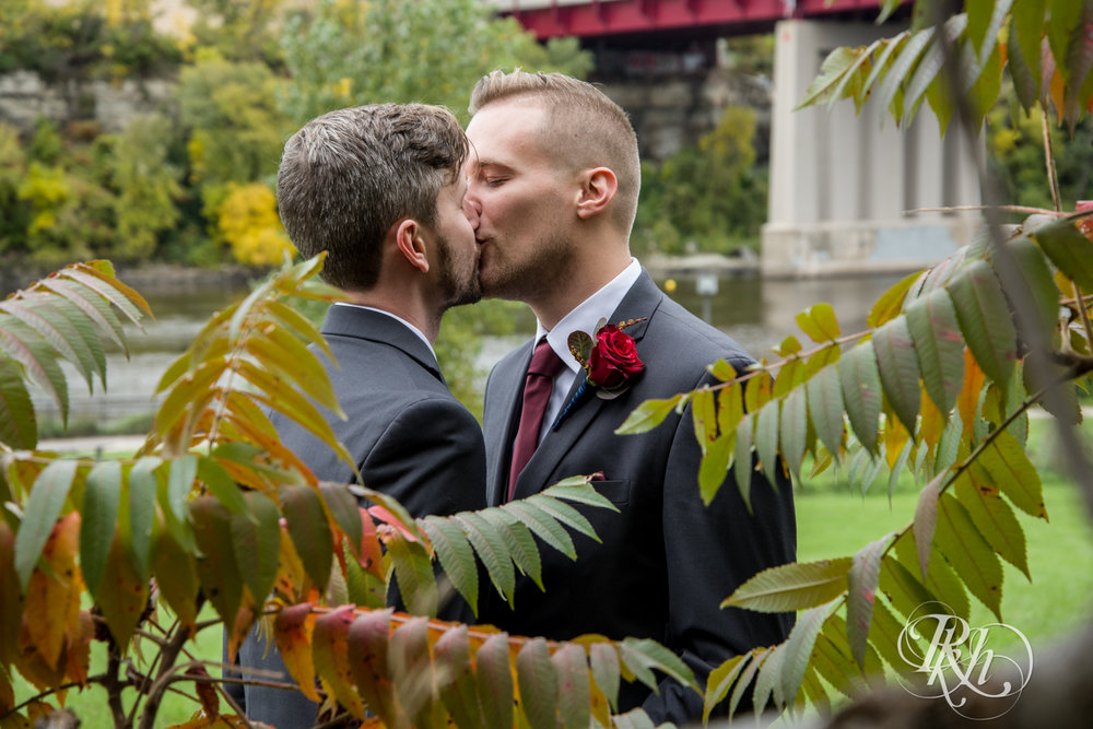 Michael & Darren - Minnesota LGBT Wedding Photography - Courtyard by Marriott Minneapolis - RKH Images - Blog (27 of 67).jpg