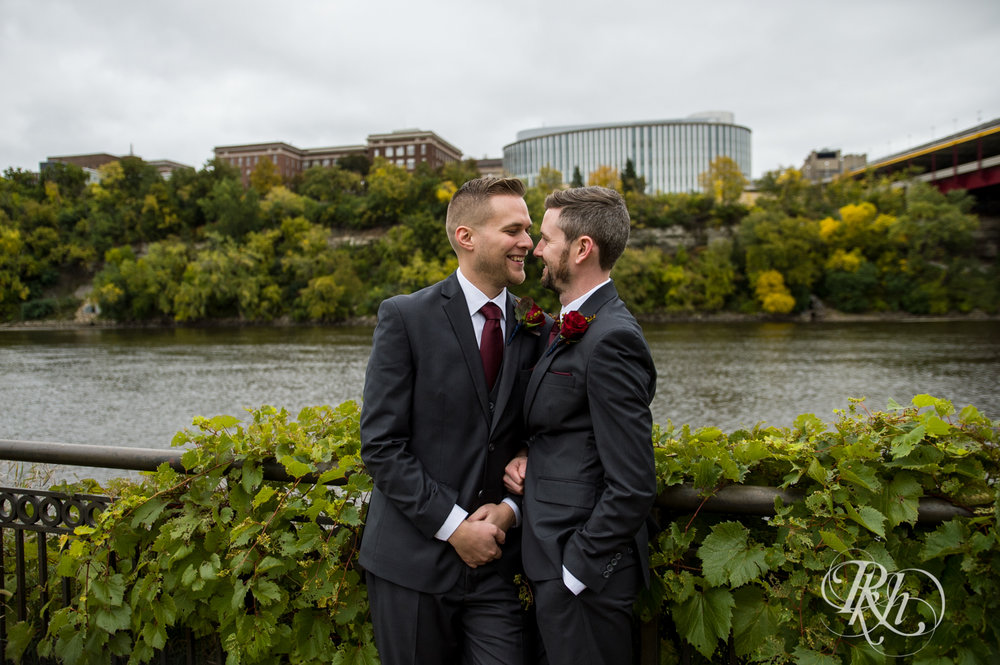 Michael & Darren - Minnesota LGBT Wedding Photography - Courtyard by Marriott Minneapolis - RKH Images - Blog (28 of 67).jpg