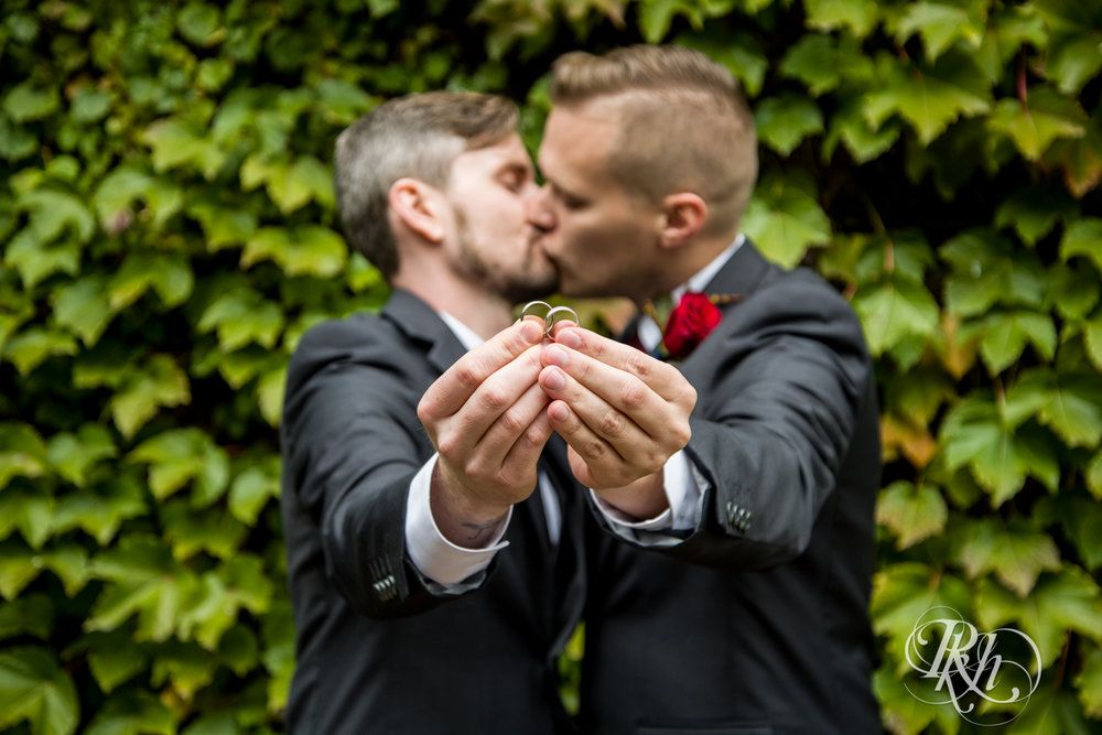 Michael & Darren - Minnesota LGBT Wedding Photography - Courtyard by Marriott Minneapolis - RKH Images - Blog (33 of 67).jpg