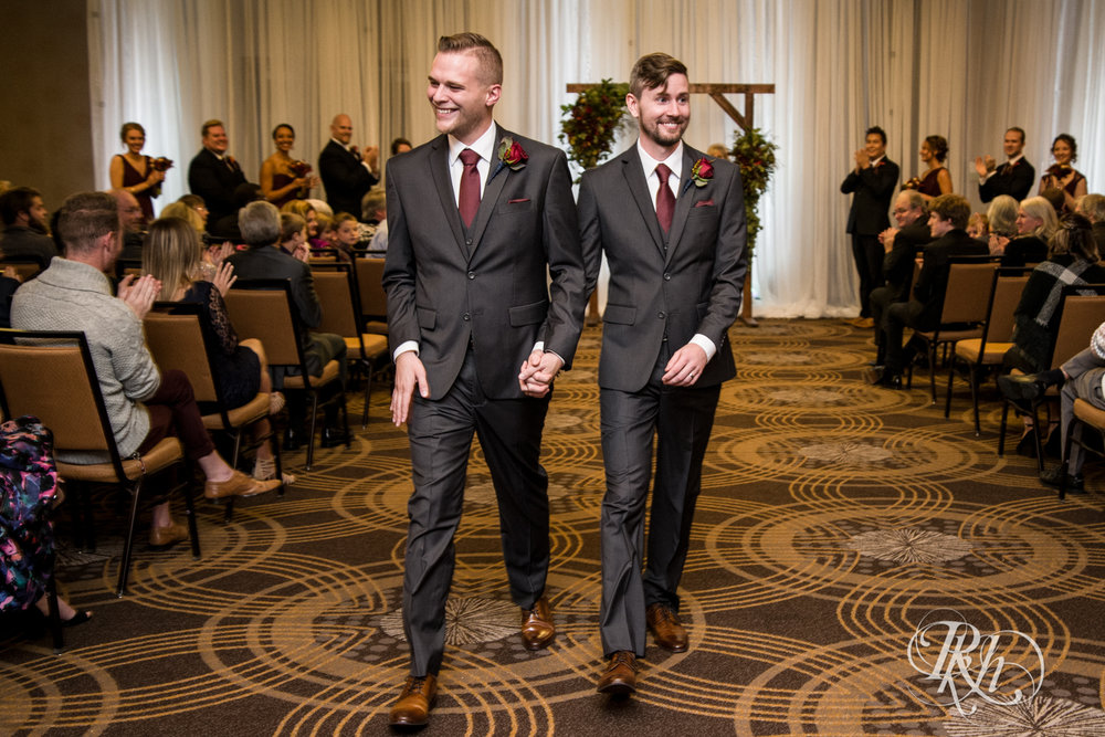 Michael & Darren - Minnesota LGBT Wedding Photography - Courtyard by Marriott Minneapolis - RKH Images - Blog (47 of 67).jpg