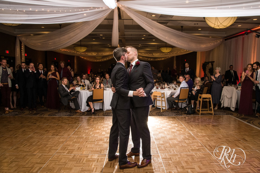 Michael & Darren - Minnesota LGBT Wedding Photography - Courtyard by Marriott Minneapolis - RKH Images - Blog (61 of 67).jpg