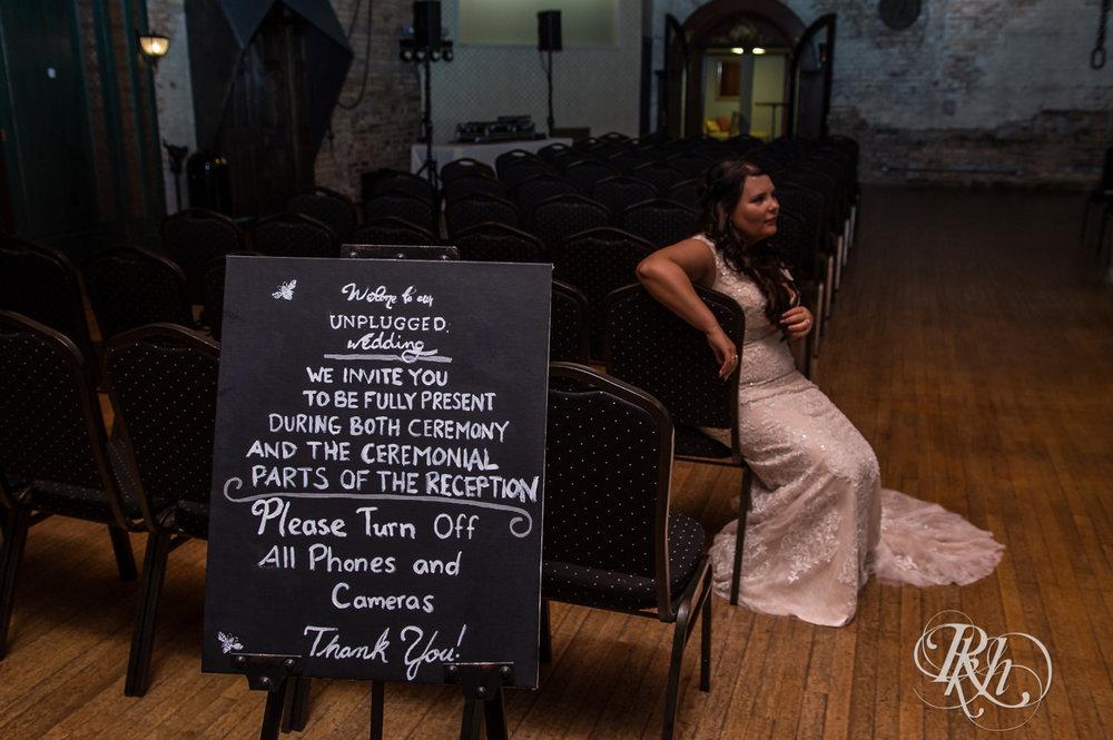 Bri & Erik - Minnesota Wedding Photographer - Kellerman's Event Center - RKH Images - Blog (18 of 51).jpg