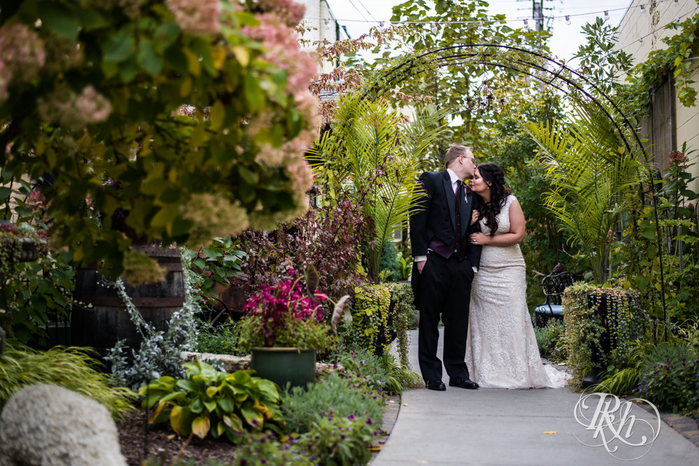 Bri & Erik - Minnesota Wedding Photographer - Kellerman's Event Center - RKH Images - Blog (26 of 51).jpg