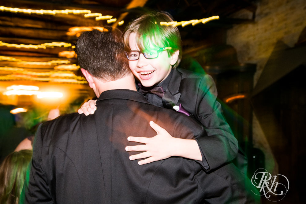 Bri & Erik - Minnesota Wedding Photographer - Kellerman's Event Center - RKH Images - Blog (49 of 51).jpg
