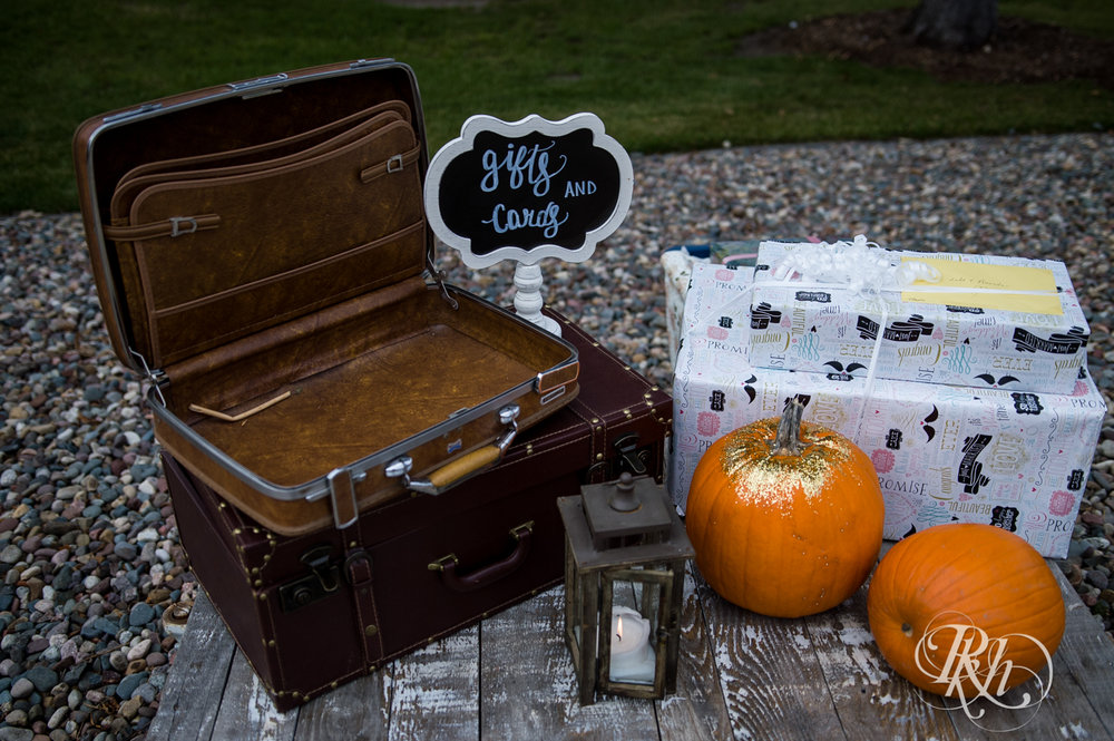 Amanda & Luke - Minnesota Wedding Photography - Mayowood Stone Barn - Rochester - RKH Images - Blog (8 of 67).jpg