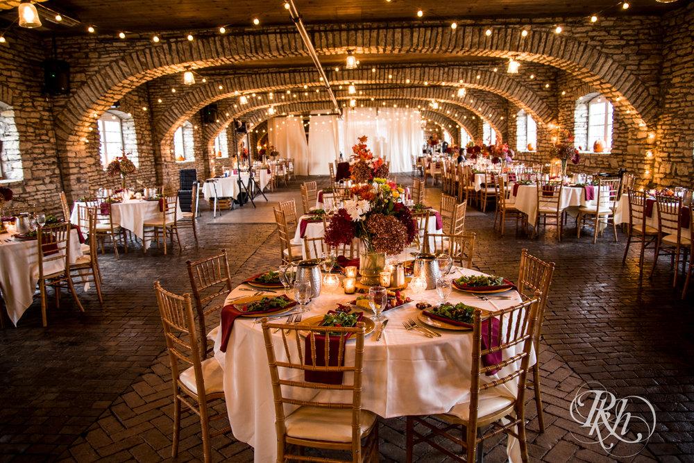 Amanda & Luke - Minnesota Wedding Photography - Mayowood Stone Barn - Rochester - RKH Images - Blog (23 of 67).jpg