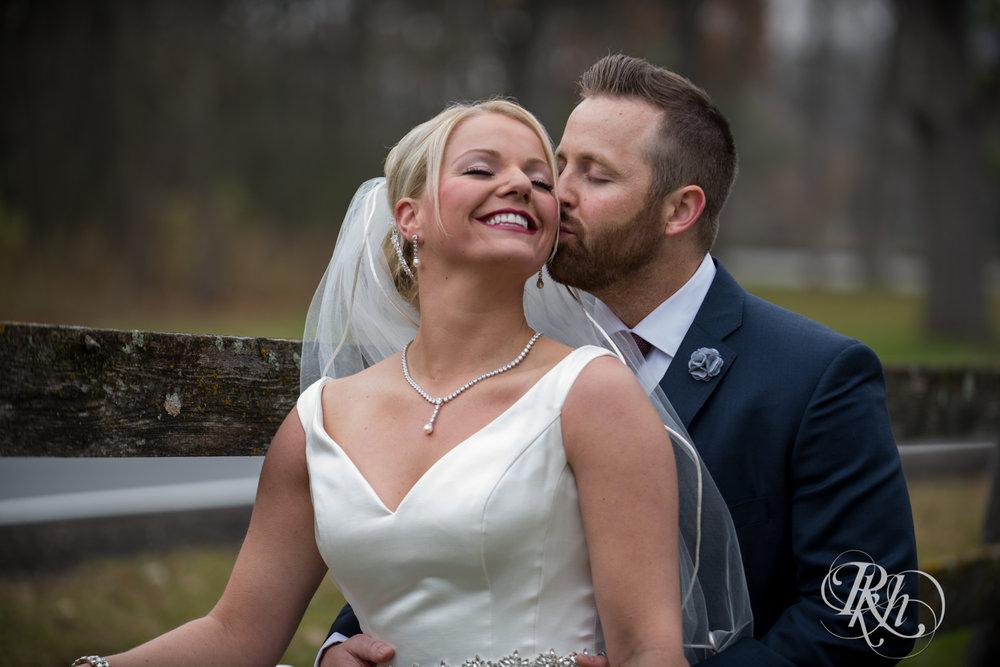 Amanda & Luke - Minnesota Wedding Photography - Mayowood Stone Barn - Rochester - RKH Images - Blog (33 of 67).jpg