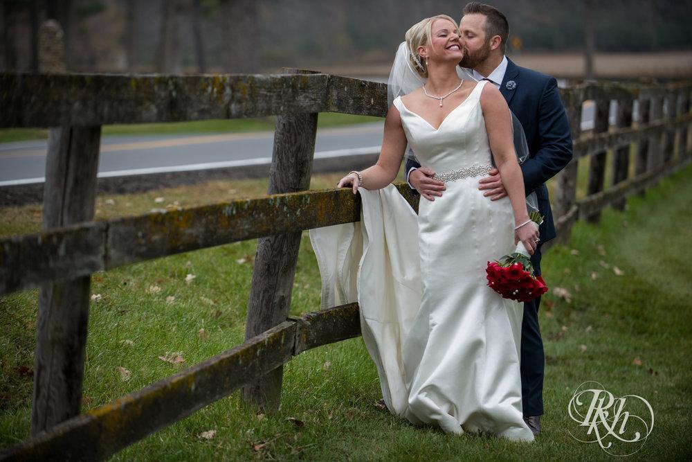 Amanda & Luke - Minnesota Wedding Photography - Mayowood Stone Barn - Rochester - RKH Images - Blog (34 of 67).jpg