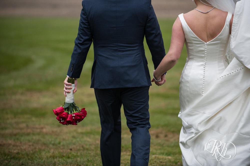Amanda & Luke - Minnesota Wedding Photography - Mayowood Stone Barn - Rochester - RKH Images - Blog (36 of 67).jpg