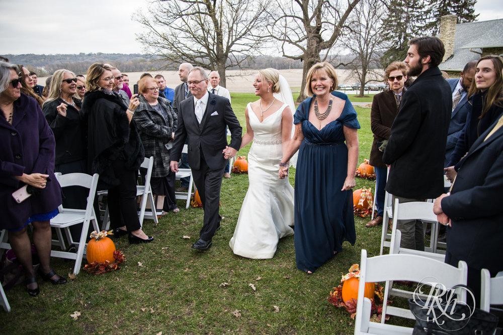 Amanda & Luke - Minnesota Wedding Photography - Mayowood Stone Barn - Rochester - RKH Images - Blog (45 of 67).jpg