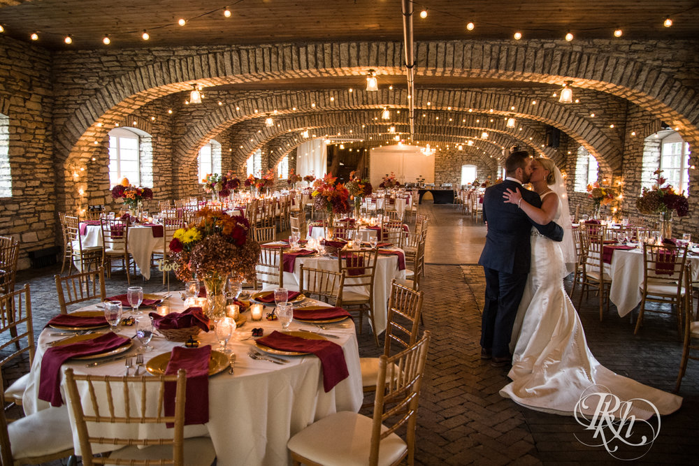 Amanda & Luke - Minnesota Wedding Photography - Mayowood Stone Barn - Rochester - RKH Images - Blog (55 of 67).jpg