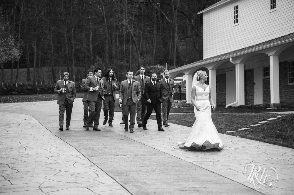 Amanda & Luke - Minnesota Wedding Photography - Mayowood Stone Barn - Rochester - RKH Images - Blog (59 of 67).jpg
