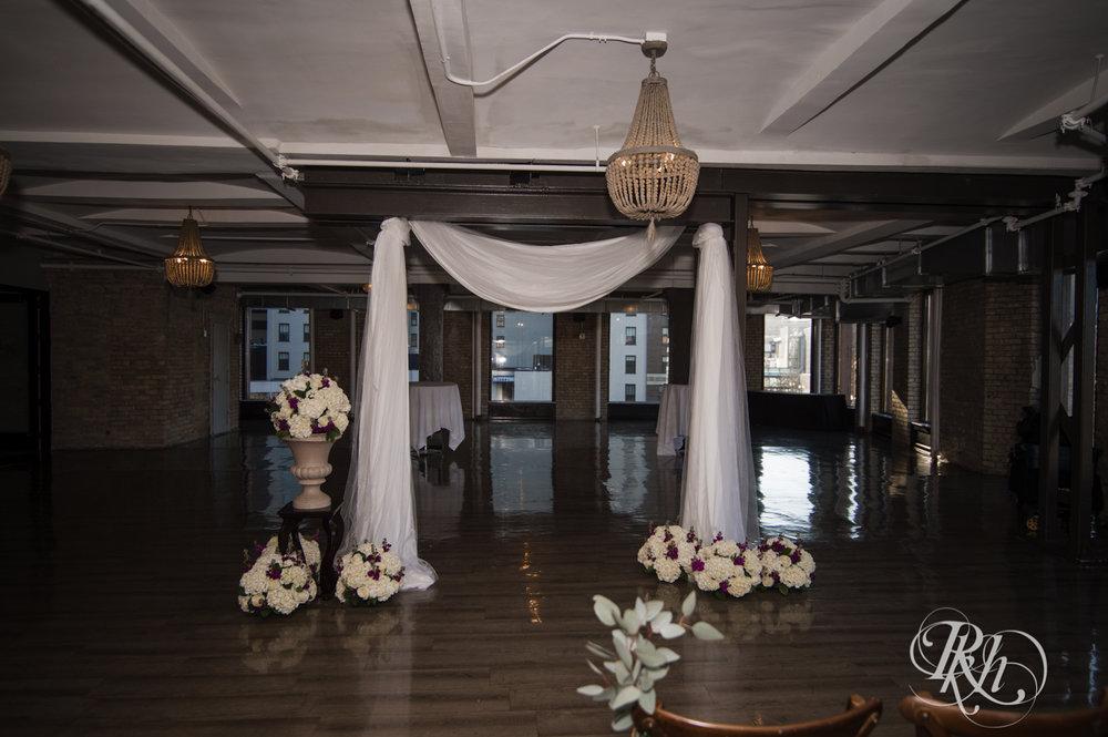 Jillian & Jared - Minnesota Wedding Photography - Lumber Exchange Event Center - RKH Images - Blog (3 of 87).jpg