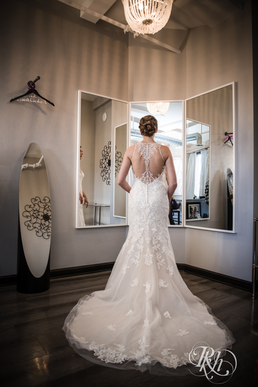 Jillian & Jared - Minnesota Wedding Photography - Lumber Exchange Event Center - RKH Images - Blog (11 of 87).jpg