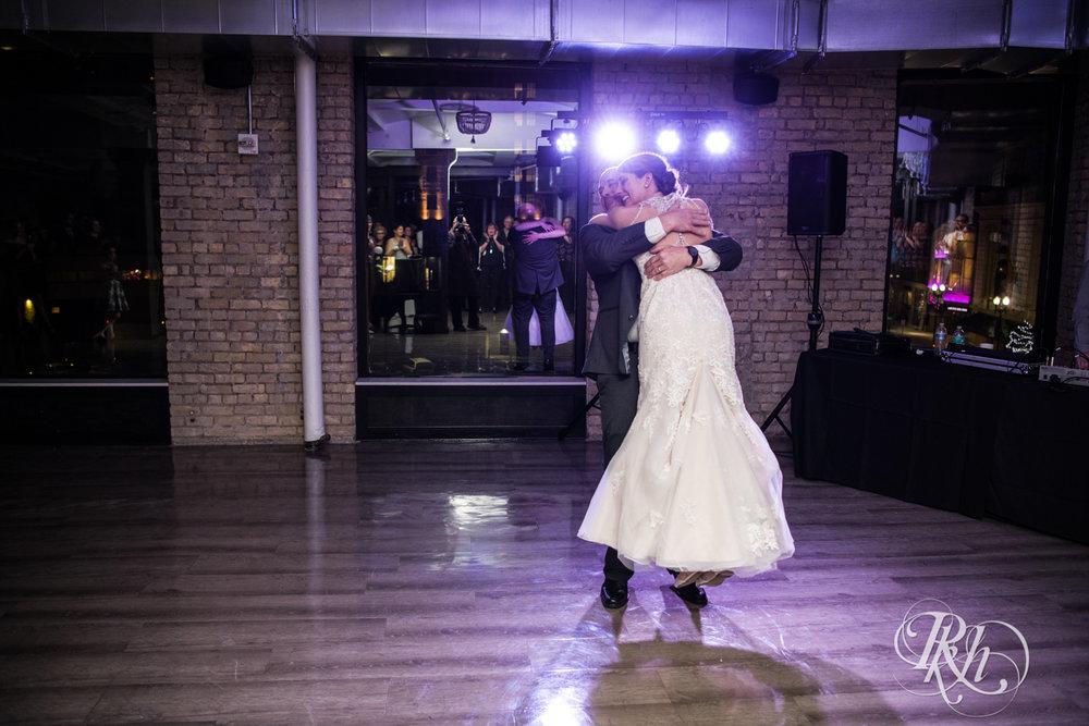Jillian & Jared - Minnesota Wedding Photography - Lumber Exchange Event Center - RKH Images - Blog (77 of 87).jpg