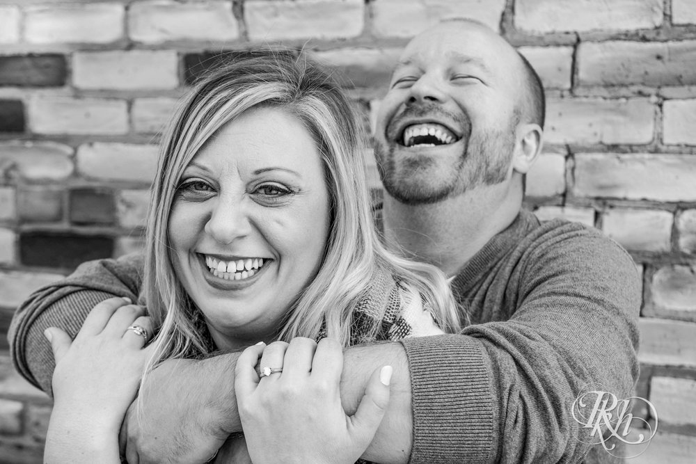 Shannon & Brian - Minnesota Engagement Photography - Loring Park - RKH Images - Blog  (3 of 16).jpg