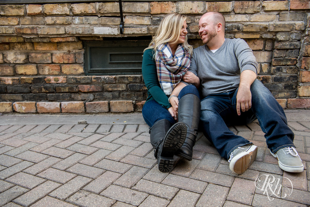 Shannon & Brian - Minnesota Engagement Photography - Loring Park - RKH Images - Blog  (7 of 16).jpg