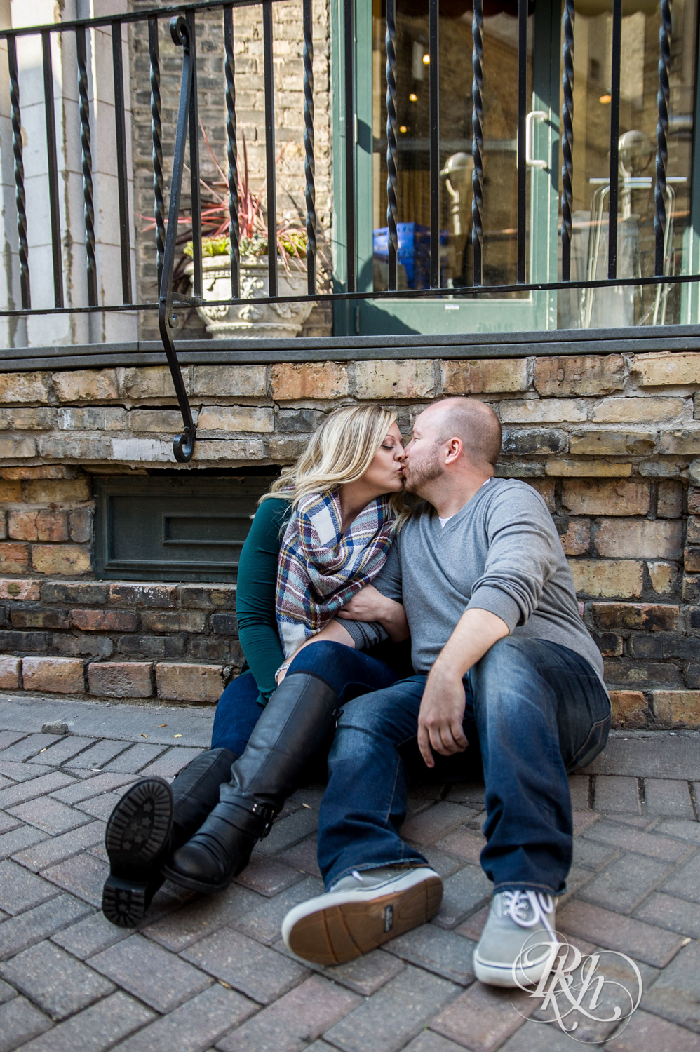 Shannon & Brian - Minnesota Engagement Photography - Loring Park - RKH Images - Blog  (8 of 16).jpg