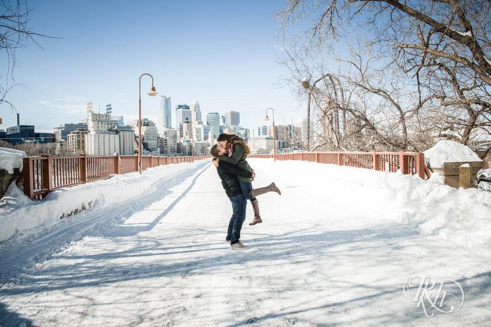 Theresa & Zak - Minnesota Engagement Photography - Saint Anthony Main - RKH Images - Blog (3 of 13).jpg