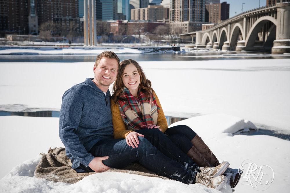 Theresa & Zak - Minnesota Engagement Photography - Saint Anthony Main - RKH Images - Blog (6 of 13).jpg