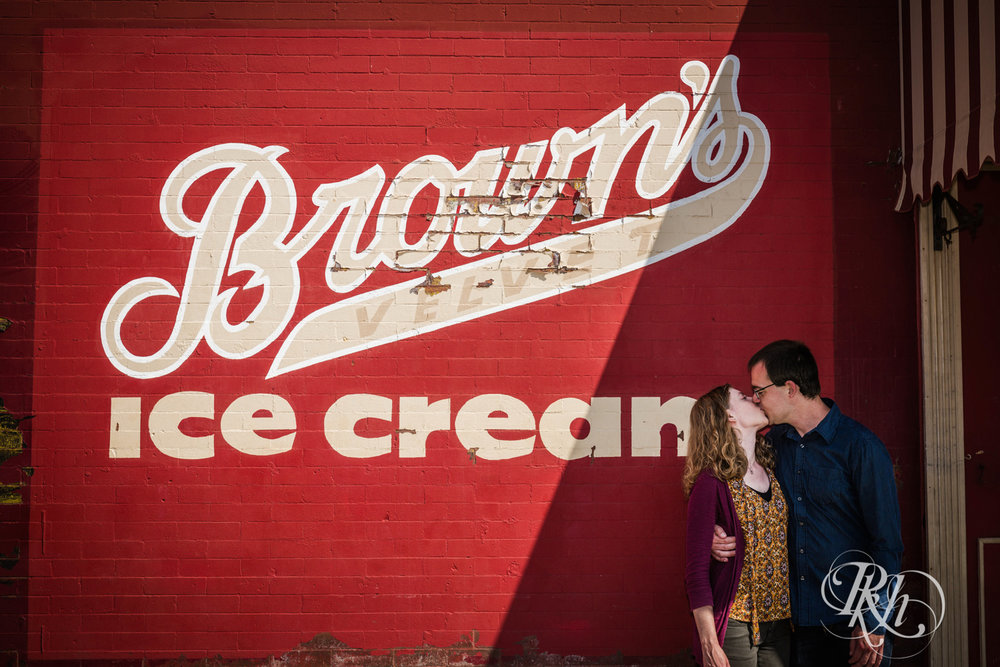 Lauren & Jake - Minnesota Engagement Photography - Stillwater, Minnesota - RKH Images - Blog  (4 of 12).jpg