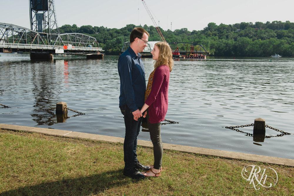 Lauren & Jake - Minnesota Engagement Photography - Stillwater, Minnesota - RKH Images - Blog  (3 of 12).jpg