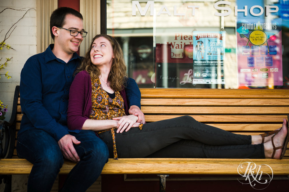 Lauren & Jake - Minnesota Engagement Photography - Stillwater, Minnesota - RKH Images - Blog  (5 of 12).jpg