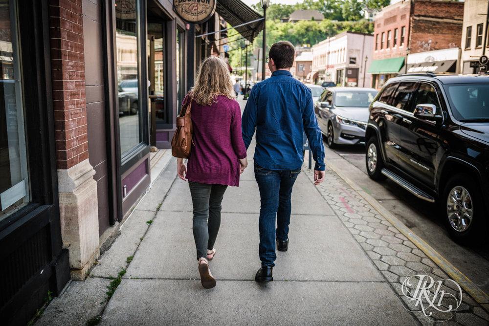 Lauren & Jake - Minnesota Engagement Photography - Stillwater, Minnesota - RKH Images - Blog  (8 of 12).jpg