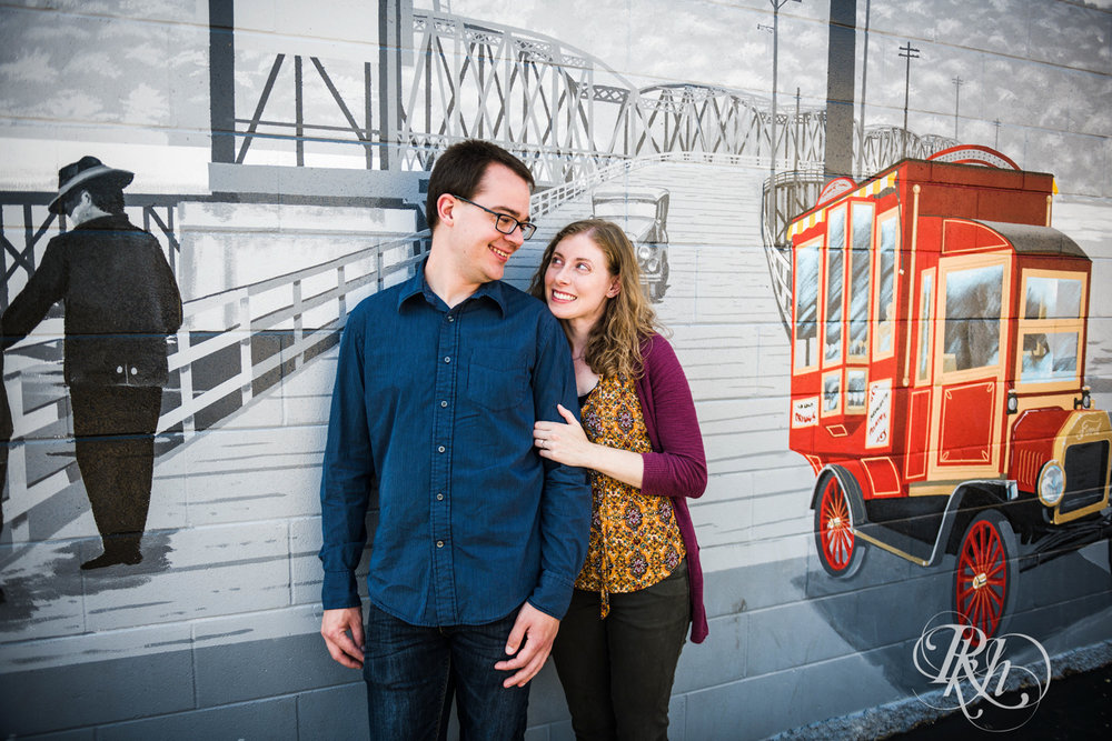 Lauren & Jake - Minnesota Engagement Photography - Stillwater, Minnesota - RKH Images - Blog  (9 of 12).jpg