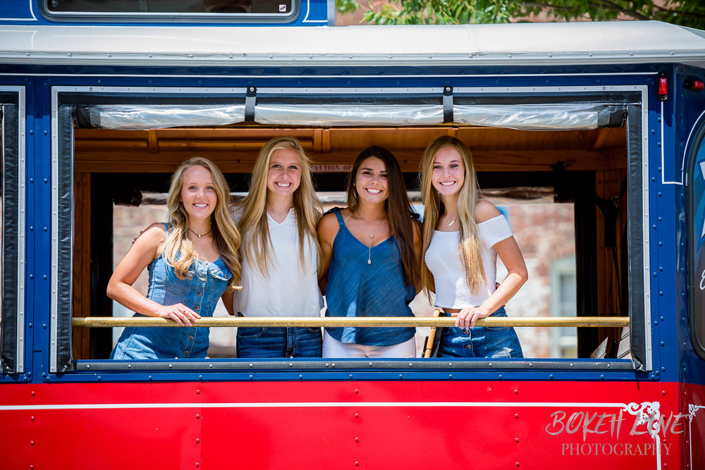 Madison_DowntownFredericksburg_SeniorSession-4.jpg